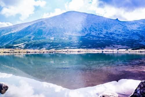 Красива гледка към езерото.