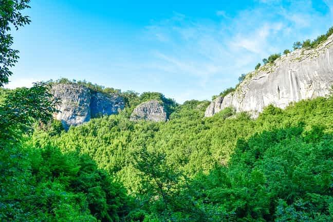 Гледка от пещера Проходна